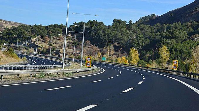 Ineficiente como modelo de transporte por carretera.