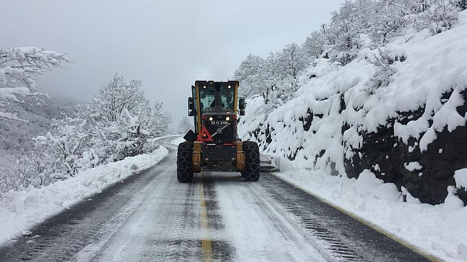 92 team in the army continues the snow struggle