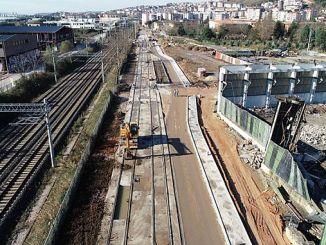 Первая очередь рельсов трамвайной линии пляжа Секапарк.