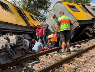 Cənubi Afrika Train Crash 4 Adam Dead 600 Yaralı