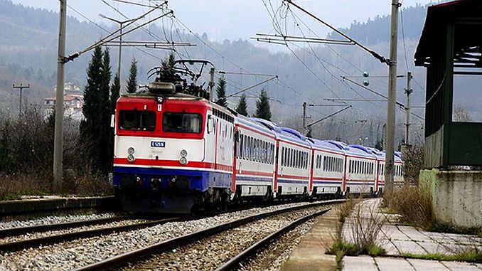 shërbimi i trenit adapazari duhet të rritet