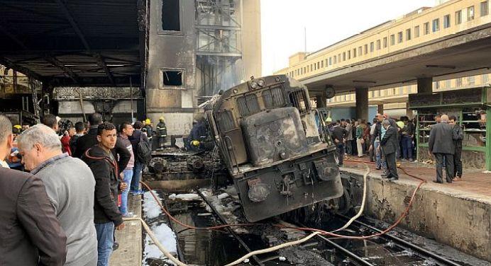 Fire at Cairo's Ramses Main Train Station ... At least 25 Dead! | RayHaber  | RaillyNews