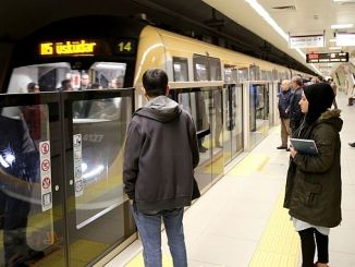 surucusuz metro hattinda yolcu rekoru