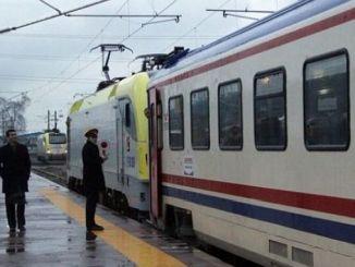 المسؤولين tcdd من الجزيرة القطار مفاجأة