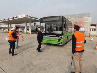 autobusët e autobusëve të autobusëve provë të certifikatës së kualifikimit profesional vazhdojnë