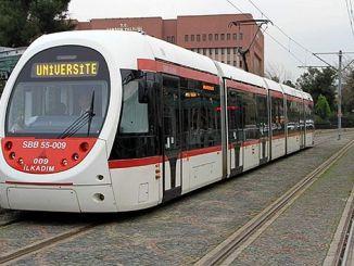 tramvay omuye cikamiyor