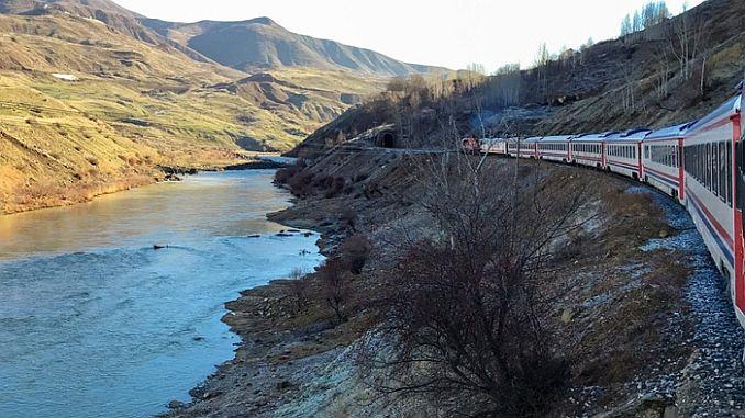 vanda wants a tourism train