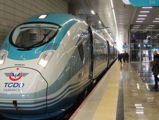 demiryolu ile seyahat eden yolculara gecikmelerde de tazminat hakki