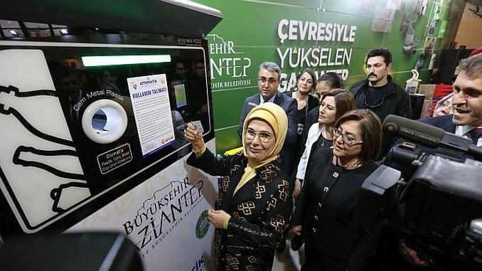 emine erdogan has uploaded a card to gaziantep