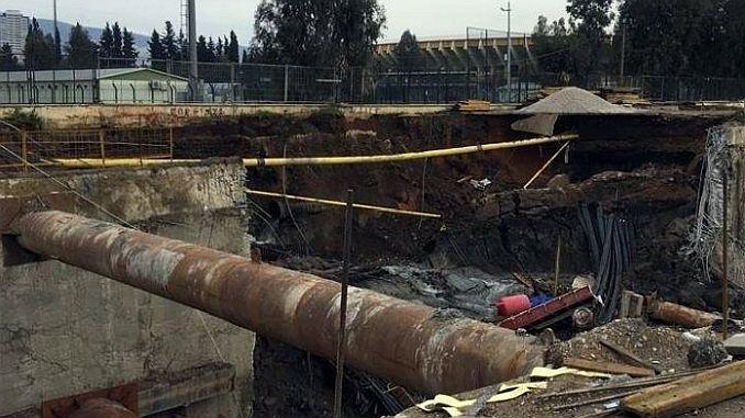 Izmir Halkapinar Metro Insaatinda Gocuk Dos trabajadores debajo de los escombros