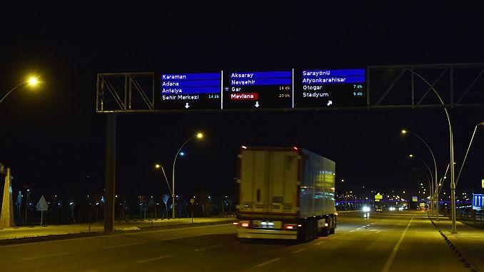 om slimme schermen te testen om het verkeer in Turkije te vergemakkelijken