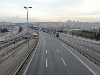 Vías cerradas y rutas alternativas en Estambul.