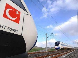Aydina रेलवे हवाई अड्डे पर आता है