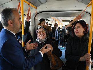 hoofdman Aktas luisterde naar de burgers in de metro