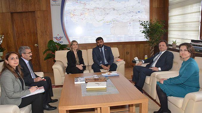 Turkish Railways phot bezoek aan de Ambassade van Spanje