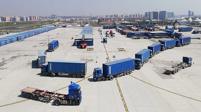 Istanbul airport continues to move large