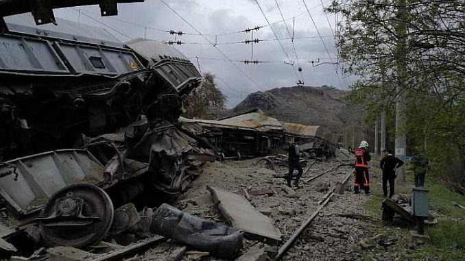 vagnar separerade från tåget på trålare i Frankrike