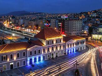 ο σταθμός του υπόγειου σιδηρόδρομου ataturkun izmire gelisi anisina ataturk show
