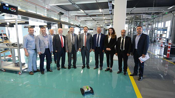 bursa modelo de modelo de fábrica va turkiyeye