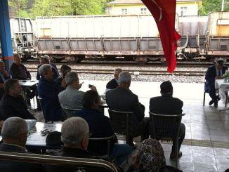 jernbaner skærer bøn og offer for deres kolleger