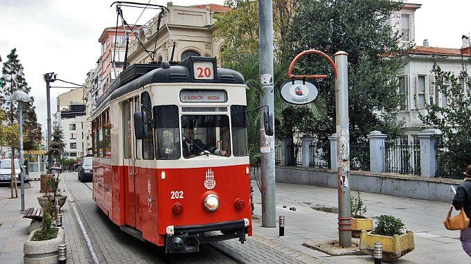 La moda Kadikoy no se puede hacer en la línea de tranvía.
