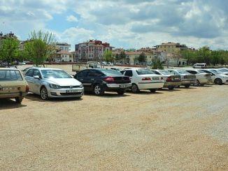 Η Karamanda άρχισε να ασχολείται με το πρόβλημα της στάθμευσης
