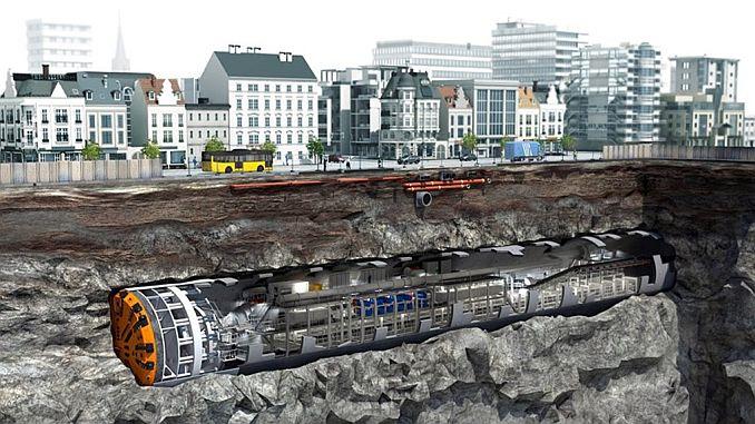 Traje gigante aterrizado bajo tierra para trabajos de excavación de metro narlidere