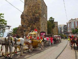 Antalya মধ্যে গাড়ী ঘোড়া এবং গাড়ী ভাড়া