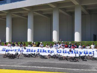 Ние сме силни заедно в спорта в Aycicegi Cycling Valley