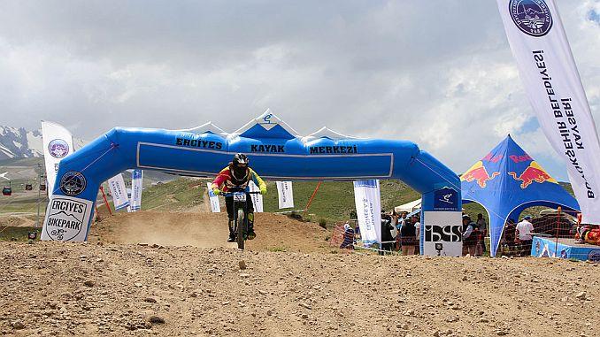 erciyes ixs downhill bisiklet avrupa kupasina ev sahipligi yapti