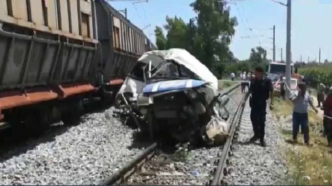 mersinde agricultural workers carrying minibuse train carpti olu wounded