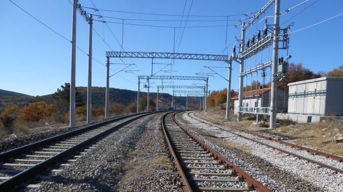 balikesir kutahya demiryolu hattinda ilk elektrikli tren seferi yapildi