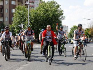 comenzó un festival clásico de bicicletas erciyes festa