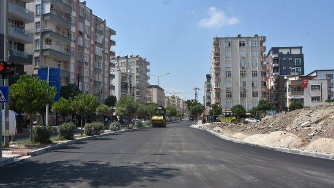 asfaltni radovi na bulevaru čekajući na uslugu godinama