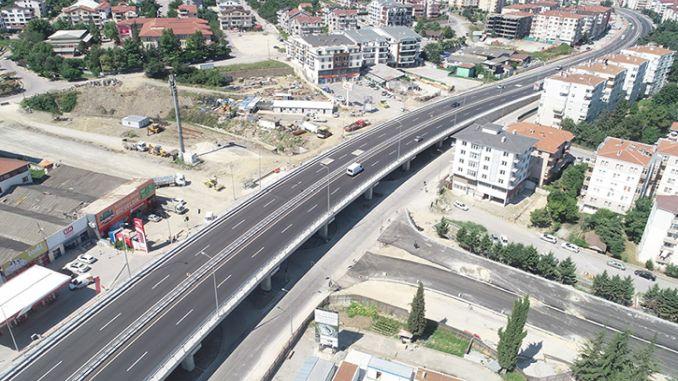 golcuk yuzbasilar Kreuzung kam zu den Verbindungswegen