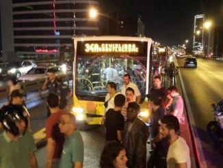 metrobus ατύχημα στην Κωνσταντινούπολη mecidiyekoyde
