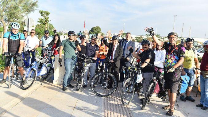 Измир прийти на перед индейка был избран в проект велосипедного города