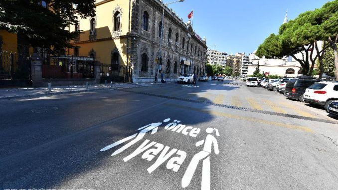 pedestrian warning sa point sa izmir