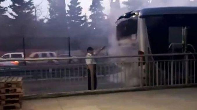 avcilarda metrobus yangini yolcular tahliye edildi
