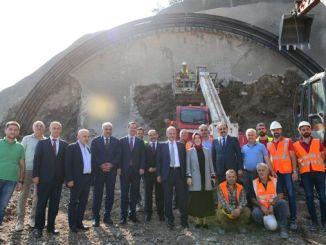Turhan Kanuni Bulvari Tunel Construction miniszter