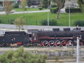 чорний поїзд замерзає назад до балікесіра