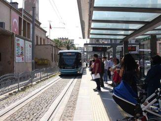 autobus e tram migliaia di passeggeri si sono trasferiti alla festa delle vacanze