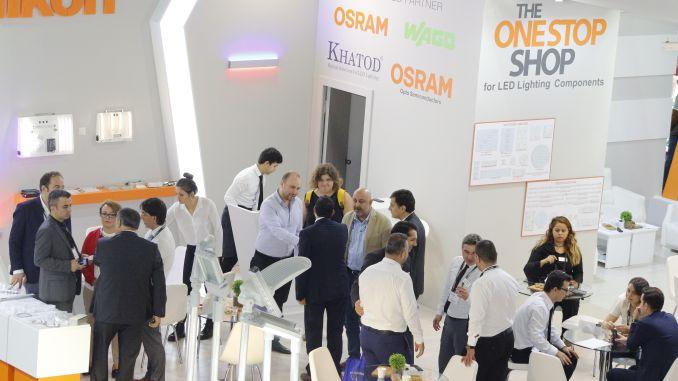 Der Beleuchtungssektor will mit öffentlichen Investitionen auf dem heimischen Markt wachsen