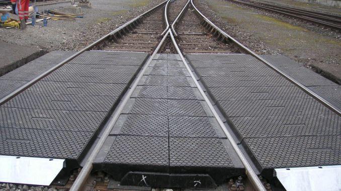 cakmak ulukisla სადგურებს შორის რეზინის საფარის დონის გადაკვეთის დონეზე