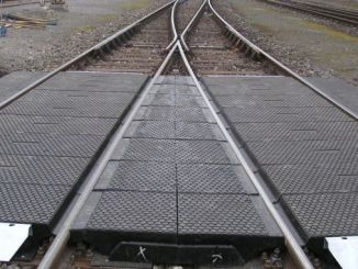 در نتیجه مناقصه cakmak ulukisla بین ایستگاه های سطح عبور پوشش لاستیکی