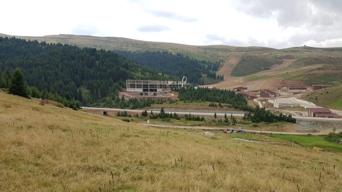 The construction of the star hotel in the highlands of Cambasi is rapidly increasing