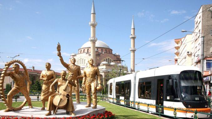 shërbimet e tramvajit në eskisehir ishin kompaktuar