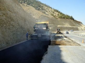asphalting road to yedikuyular ski resort