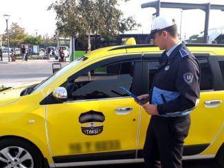inspeção rigorosa de veículos de serviço e táxis