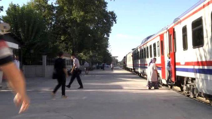 रेल्वे अपघात कमी करण्यासाठी बॅटमन डायबरकीर रेल्वे प्रकल्प